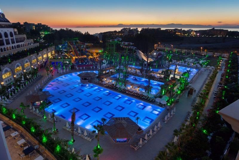 Crystal Sunset Luxury Resort30797