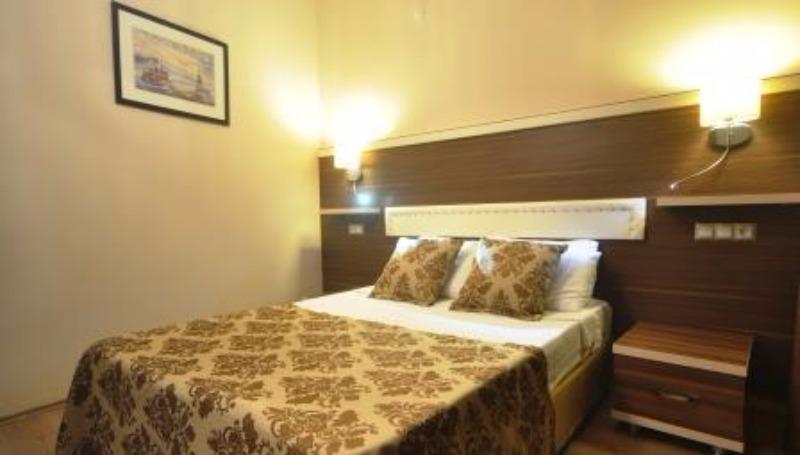MANUELA HOTEL BİTEZ 37186
