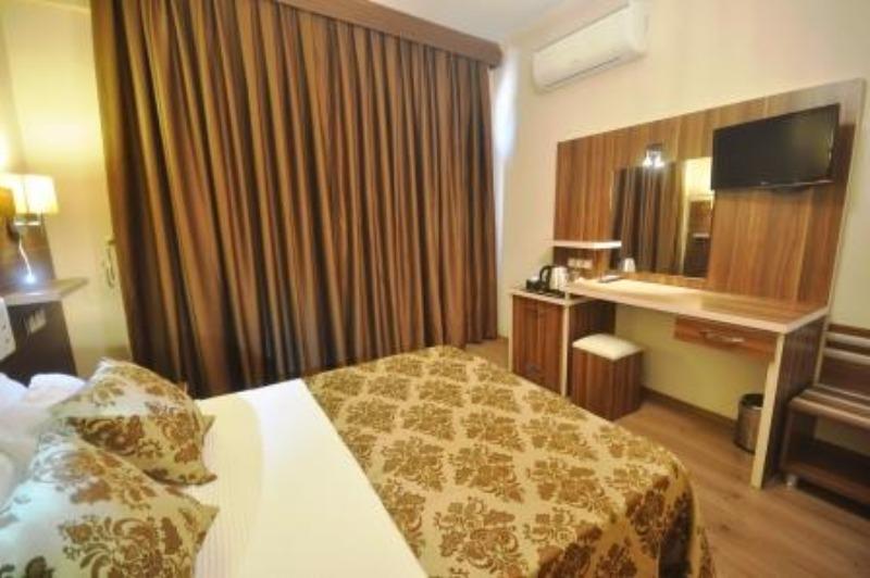 MANUELA HOTEL BİTEZ 37189