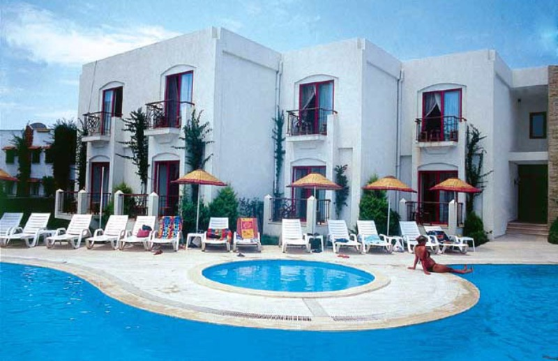 Serpina Hotel38220