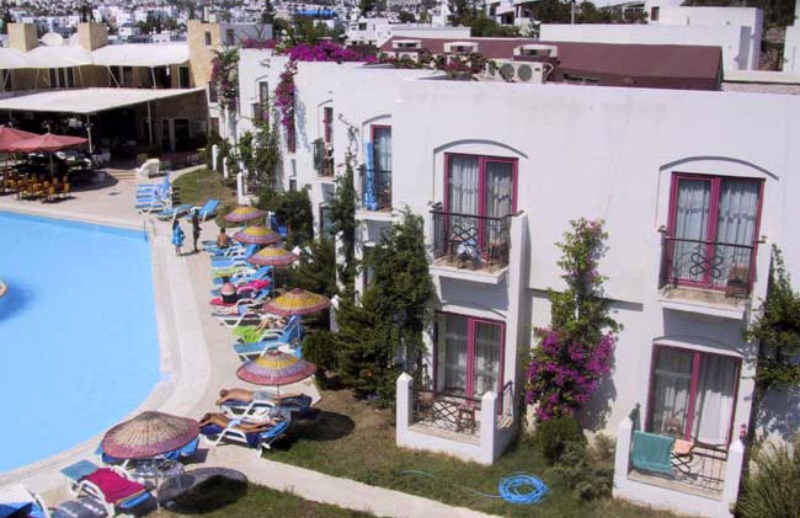 Serpina Hotel38225