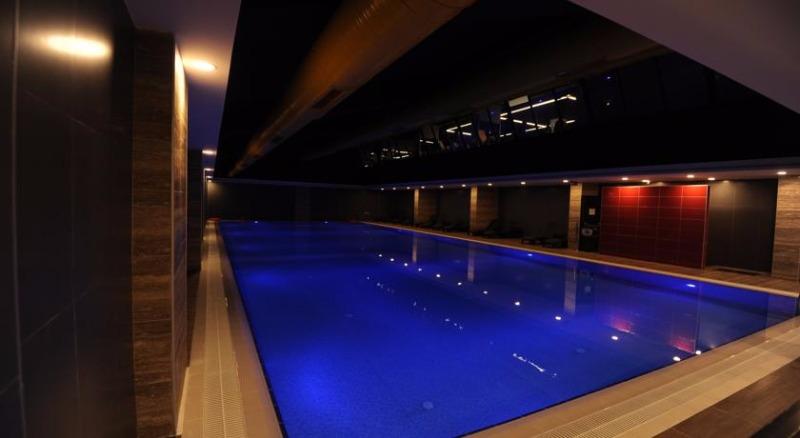 Fier Hotel42702