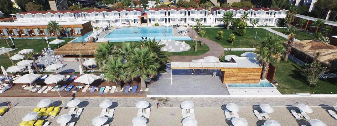 Risus Aqua Beach Resort44052