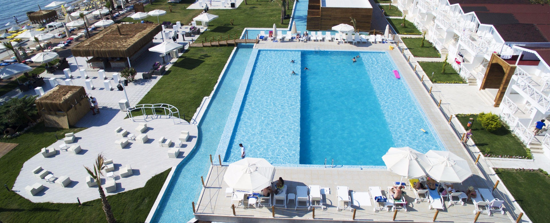 Risus Aqua Beach Resort44050