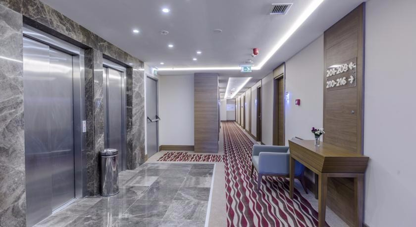 Nearport Hotel57815