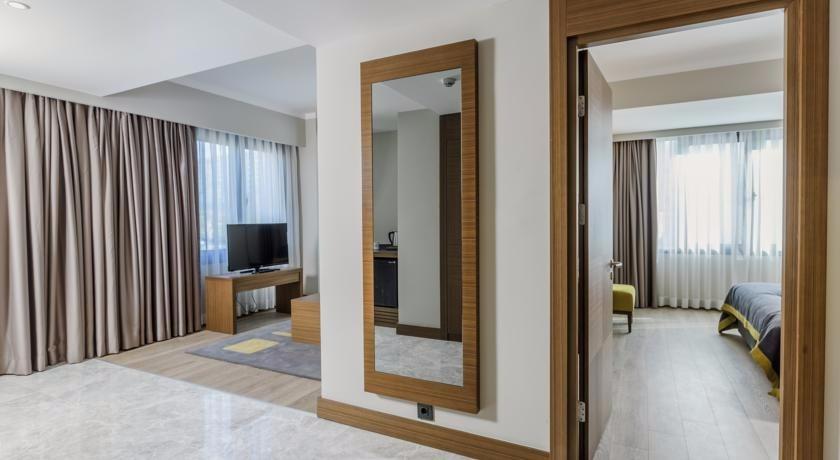 Nearport Hotel57814