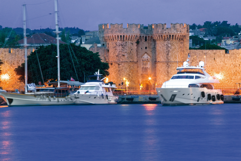 Celestyal Nefeli ile Işıltılı Yunan Adaları Vizesiz 3 Gece