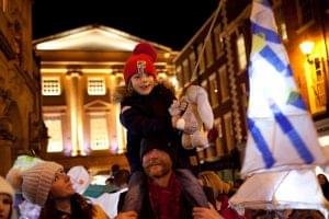 christmas-lantern-parade
