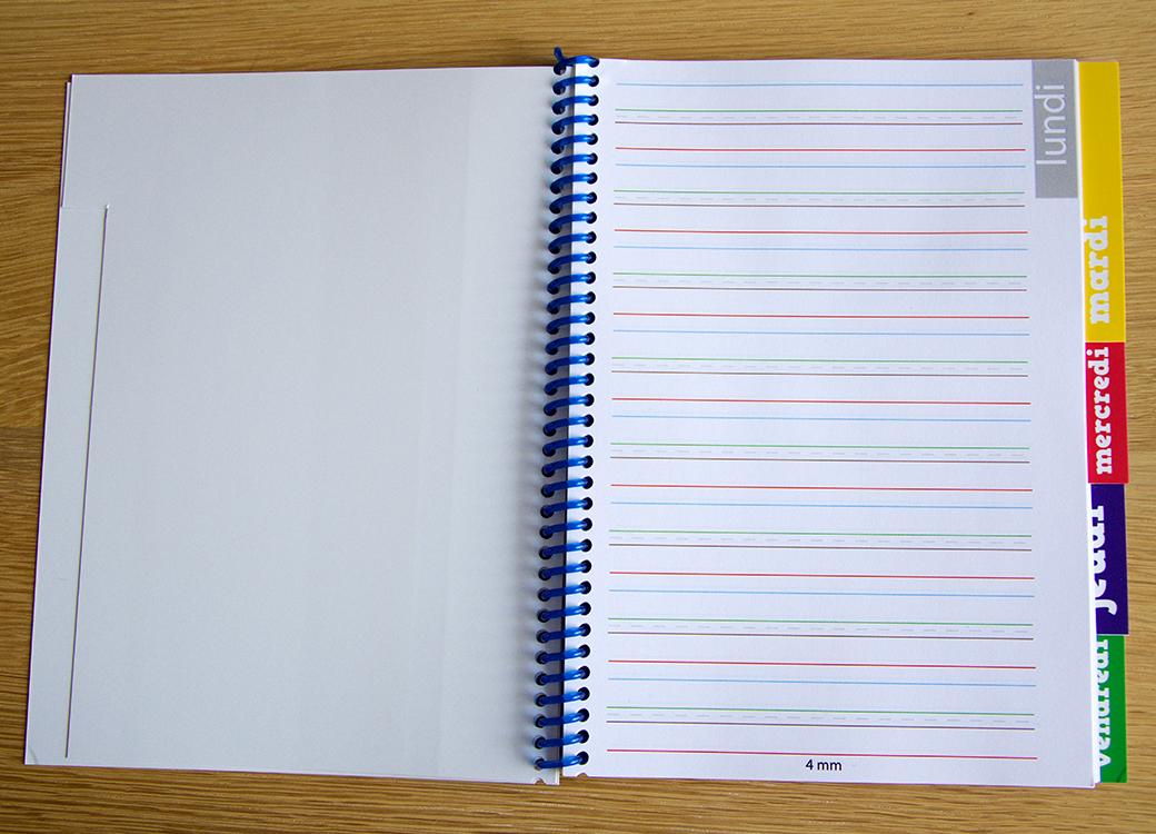 Cahier de texte - lignes colorées