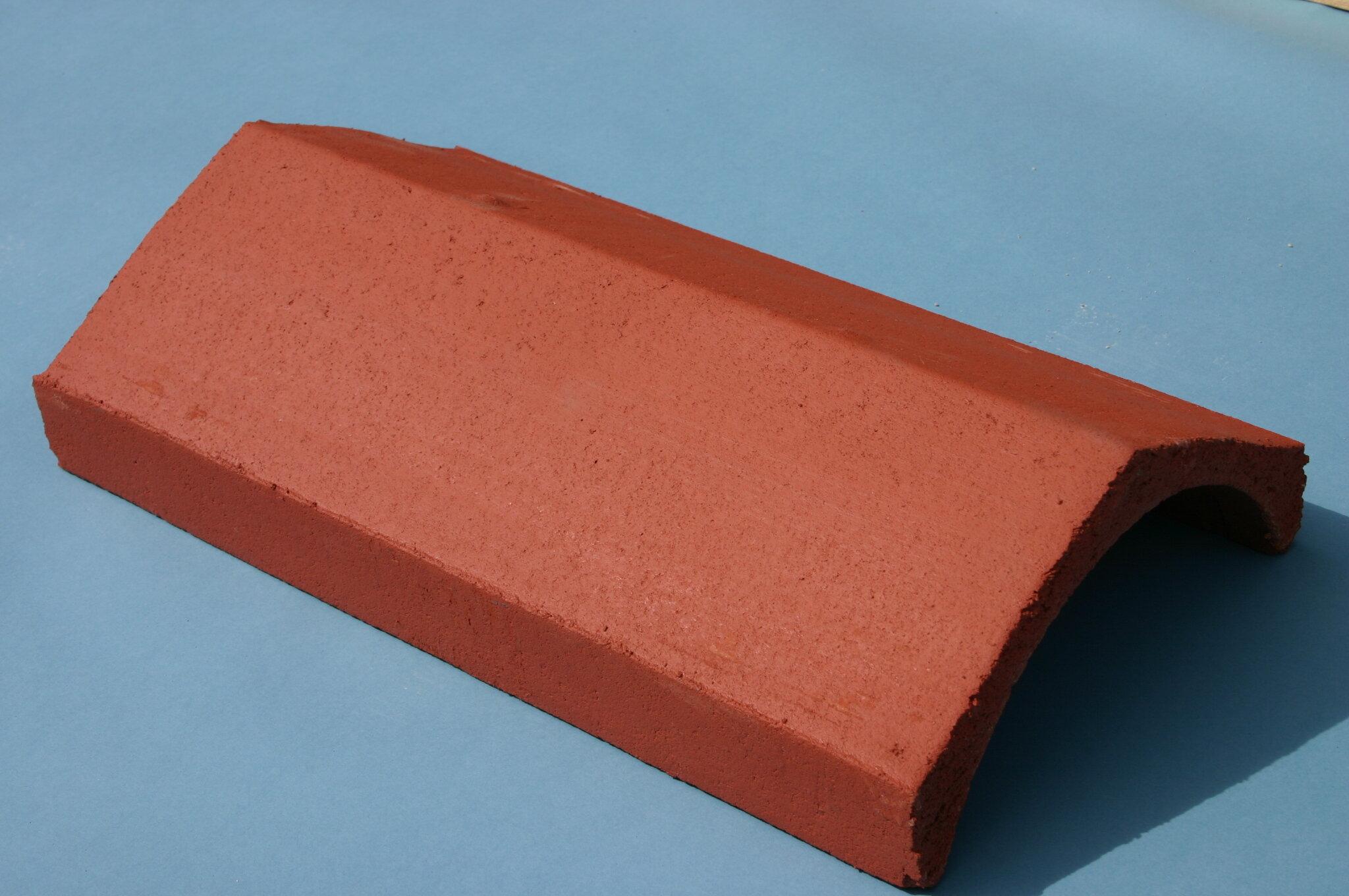 Universal Angle Ridge Tile 450mm Brick Red
