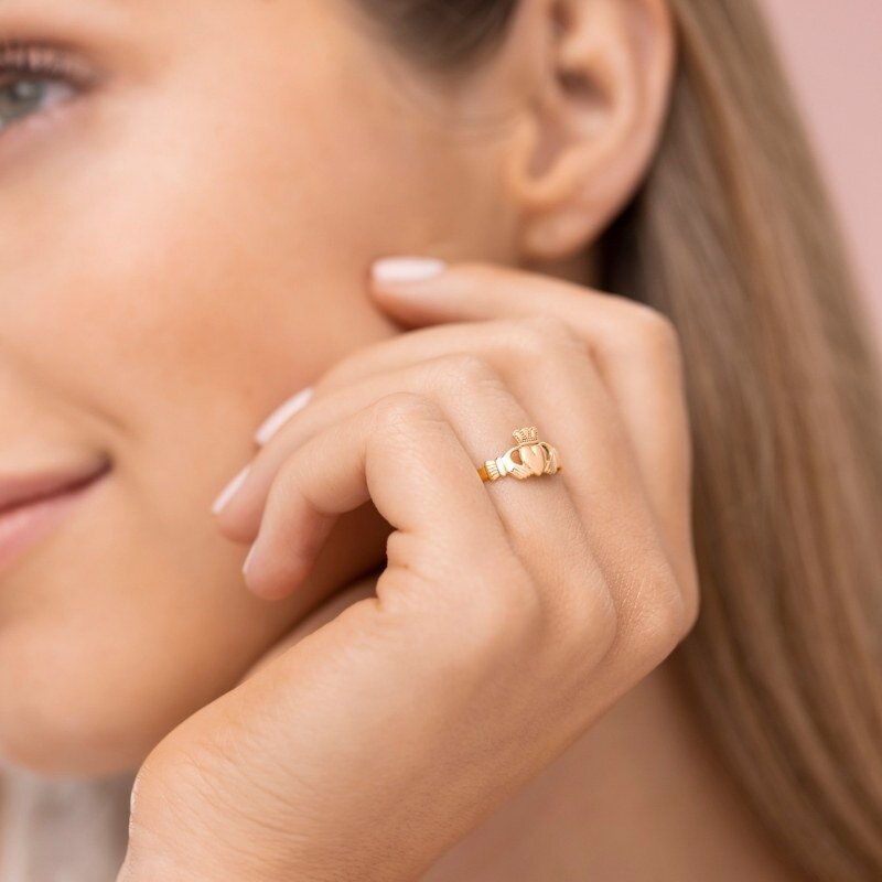 10k gold small claddagh ring s2987 on models hand from Solvar