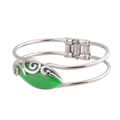 RHODIUM PLATED GREEN CAT EYE CELTIC BANGLE