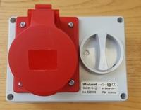 32A IP44 Wall Mounting Interlocked Horizontal Socket 346-415v 3P+N+T