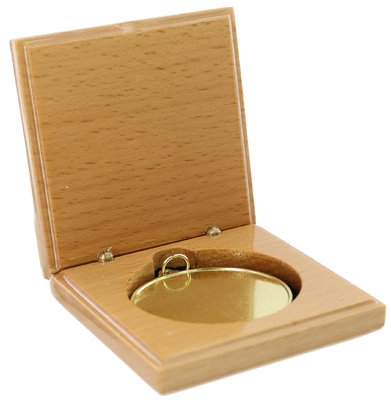 Wooden Medal Box to suit 50mm