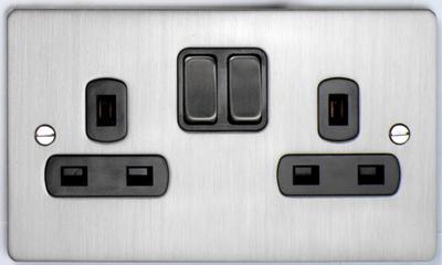 DETA Flat Plate 2gang socket Satin Chrome with Black Insert | LV0201.0169