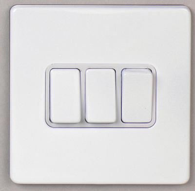DETA Screwless 3 Gang Switch White Metal White | LV0201.0023