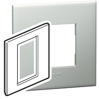 Arteor (British Standard) 3 Modules 1 Gang Square Pearl Alu | LV0501.0406