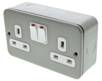 13A Twin SP Switched Socket