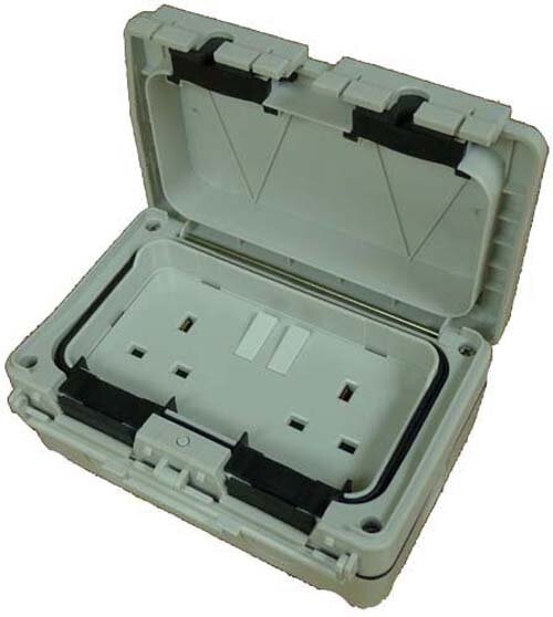 OUTDOOR TWIN SWTICHED SOCKET IP56    ( BOX 20 )