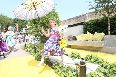 Mayo girl Emma O Shea is crowned Solus Brightest at Bloom