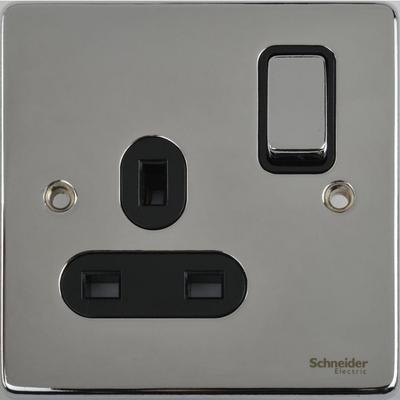 Schneider Ultimate Low Profile 1gang socket Polished Chrome with Black Insert | LV0701.0064