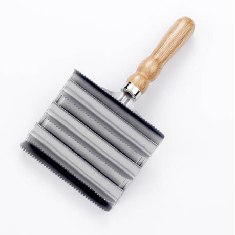 Lincoln Metal Curry Comb - Large