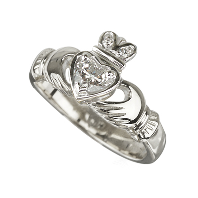 18KW DIAMOND CLADDAGH ENGAGEMENT RING(BOXED)