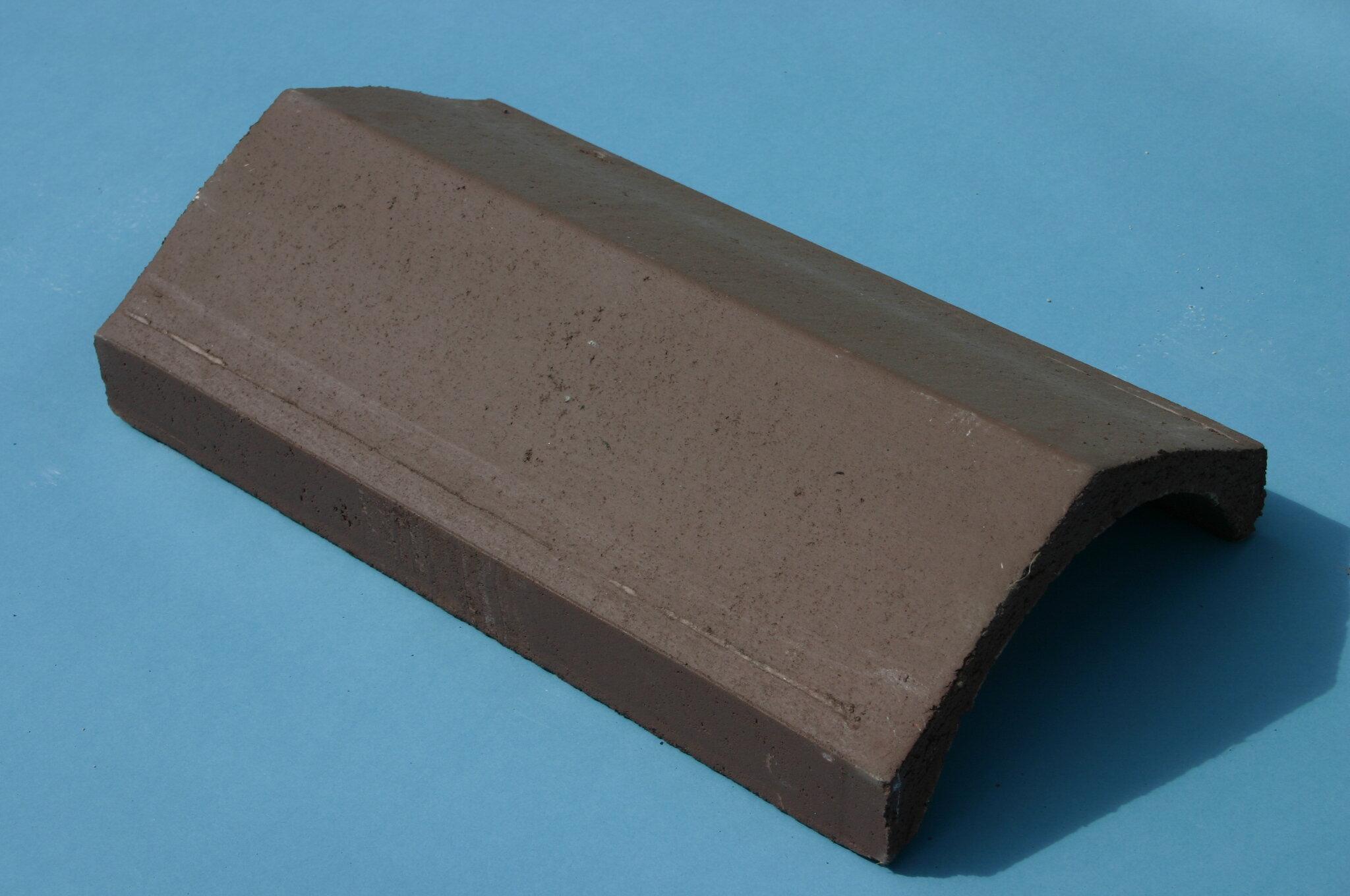 Universal Angle Ridge Tile 450mm Turf Brown