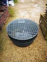 70CM ROUND RESERVOIR WITH STEEL GRID