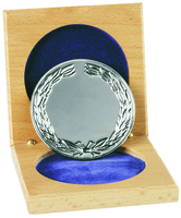 66mm Silver Wreath Medallion & Wooden Case |