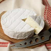 Reverend Brie Cheese  1kg