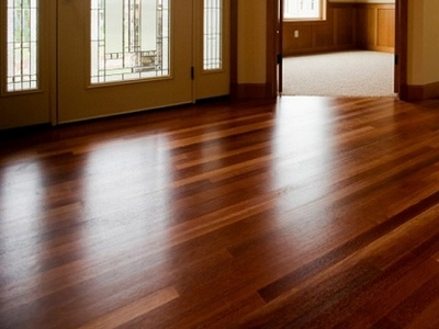 How to Protect (Polish) a Wooden Floor?