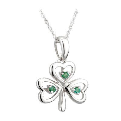 14k white gold emerald shamrock pendant s45622 from Solvar