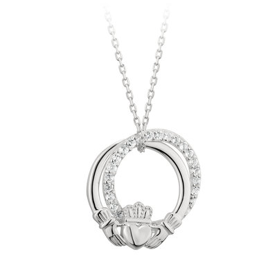 sterling silver claddagh circle pendant s46446 from Solvar