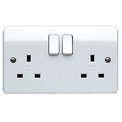 MK K2747WHI Logic Plus Socket Switched 2G DP 13A WHI