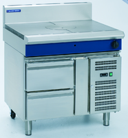 Blue Seal Evolution Series Heavy Duty Range/Target Top, gas, 900 mm, (1) Bullseye hot top, flame failure device, refrigerated base w/(2) 1/1 GN drawers, stainless steel finish, 12.5 Gas KW 900x812x1085mm