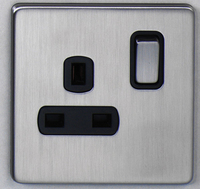 DETA Screwless 1 Gang Socket Satin Chrome Black Insert | LV0201.0432