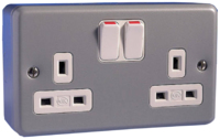 MK METALCLAD PLUS  13A 2 GANG  SURFACE METALCLAD SWITCHED SOCKET