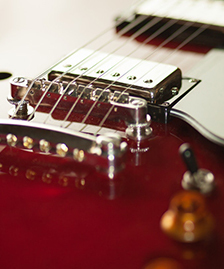 Guitars & basses