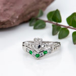 Claddagh wishbone ring S2751 with the nature themed background