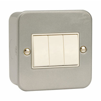 Click CL013 3G 10A 2 Way Switched Metalclad