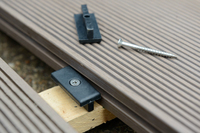 WHITERIVER COMPOSITE DECKING INSTALLATION KIT MONTANA X 50 CLIPS & SCREWS X 8 MOVE STOP CLIPS X 1 BIT (EACH PACK DOES 2.5 SQ MTRS)