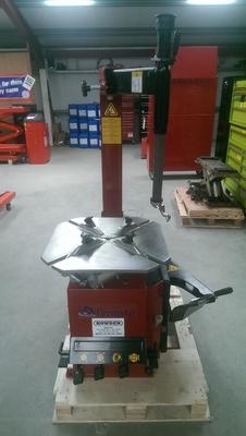 TARANTO Tyre Machine with Swing Arm