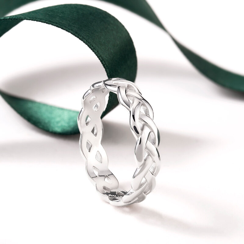 styled image of Solvar silver celtic knot ring S2994