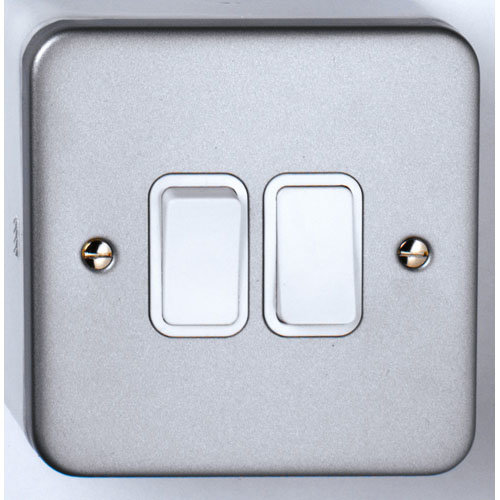 10A 1 Gang 2 Way Light Switch Metal Clad With Back Box