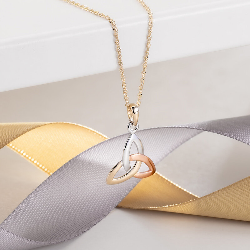 styled image of Solvar multi-colour gold Trinity Knot necklace s44529