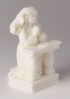 ORNAMENT-KNEELING COMMUNION GIRL