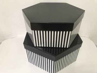 HAT BOX BLACK STRIPE HEX SHAPE 30x13/28x11cm