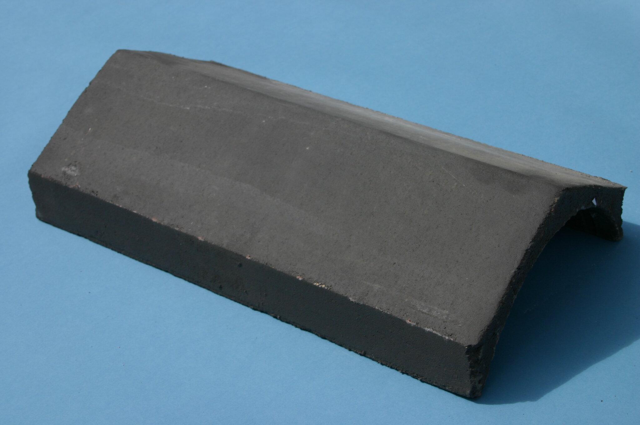 Universal Angle Ridge Tile 450mm Black