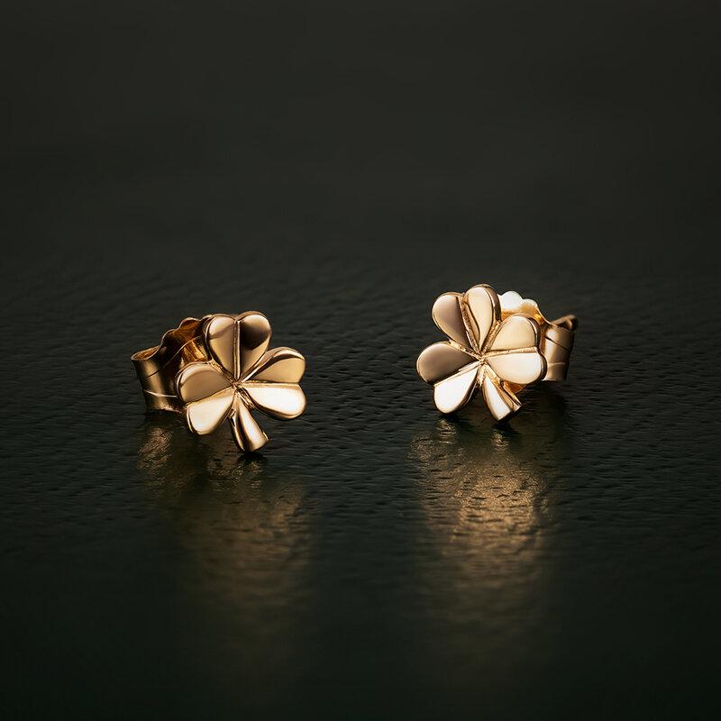 styled image of Solvar gold shamrock earrings S3958